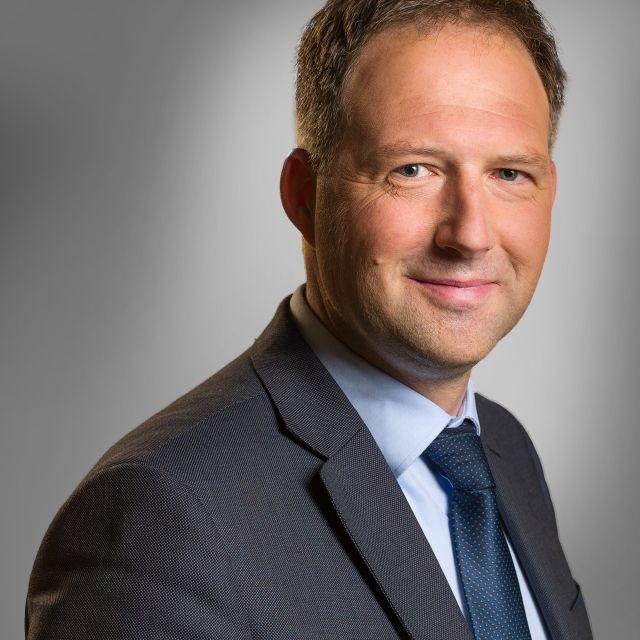 op groothandel goedkope prijzen laatst René Nijdam › PlasBossinade advocaten en notarissen Groningen